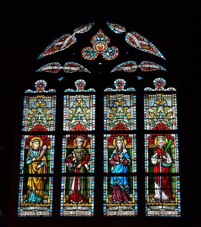 to open the window: LESSINES, 11 B�LGICA-ENERO DE 2015: Vitral en la iglesia de San Hermes. Edificio actual se conoce desde el siglo 15