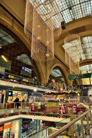 leipzig: LEIPZIG, GERMANY-DECEMBER 21, 2014: Leipzig Central Railway Station and shopping center Westhalle. This is the largest railway station in the world