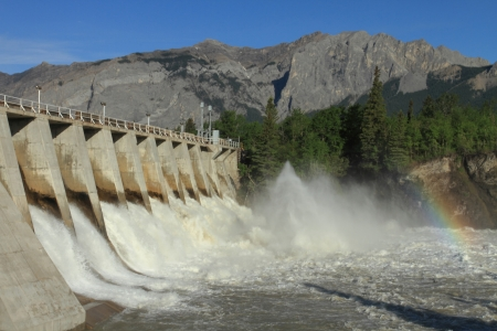 dam: The spillway overflow on the Kananaskis Dam, Alberta, Canada Stock Photo
