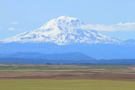 adams: Mount Adams and farm fields in Washington, U.S.A. Stock Photo