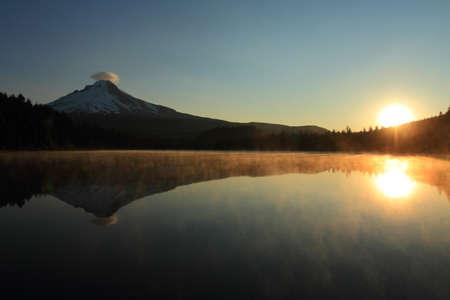 mount hood: Sunrise on Mount Hood and Trillium Lake, Oregon, U.S.A.