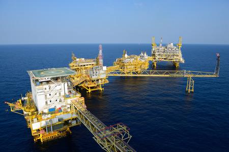 drilling platform: The large offshore oil rig drilling platform