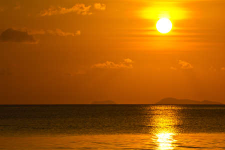 Colorful sunset on the ocean Stock Photo - 13321127