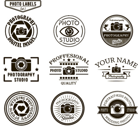 Vector set of photography logo templates. Photo studio logotypes and design elements. Labels, emblems, badges and icons in vintage style.  イラスト・ベクター素材