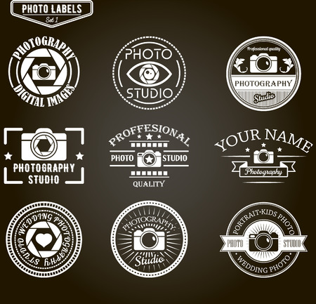 写真のロゴのテンプレートのベクターを設定します。写真スタジオのロゴとデザイン要素。ラベル、エンブレム、バッジ、ビンテージ スタイルのア