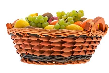 fruitmand: Fruit mand met verschillende vruchten