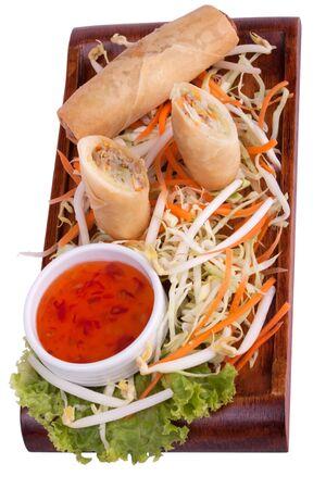 spring roll: Rotolo di primavera con salsa di peperoncino e verdure