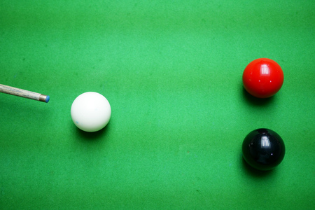 Snooker, Taking a shot on the black Banque d'images