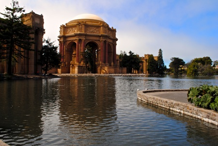 bay: Palace of fine Arts