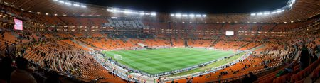 the world cup: Foto panoramica all'interno dello stadio Soccer City durante la FIFA World Cup 2010.