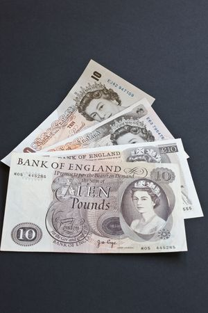 gb pound: The last four versions of the British ten pound note