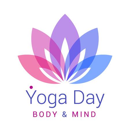 morado: Colorido de cinco pétalos Flor de loto como símbolo de la yoga. Texto de la muestra - día de la yoga, el cuerpo y la mente. Ilustración vectorial para el evento de yoga, escuela, club, web.