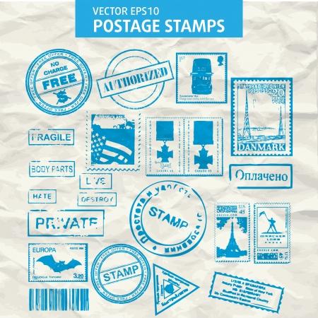 postmark: Set mit Briefmarken und Stempeln isoliert.