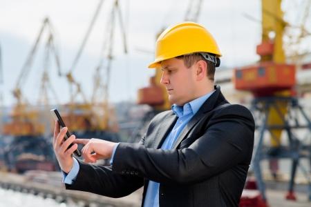 Port-Ingenieur ist mit der digitalen Tablette Lizenzfreie Bilder