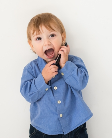 child playing with the phone