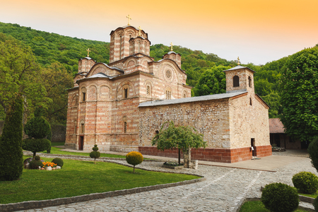 세르비아 정교회 수도원 Ravanica 및 교회, 14 세기에 지어진 세르비아 스톡 콘텐츠 - 77670948