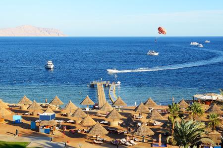 sharm el sheikh: Parasailing and beach of luxury hotel, Sharm el Sheikh, Egypt