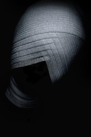 ojos vendados: Horror vendaron los ojos de la mujer con una venda en los ojos. Car�cter de Halloween