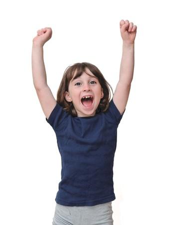 victoire: Mignonne petite fille pose ses mains dans un signe de la victoire isol�