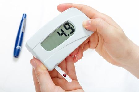 blood glucose level: Measurement of blood glucose level digital device in diabetes