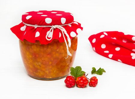 chicout�: Preparations for the winter. Cloudberry jam in the bank.