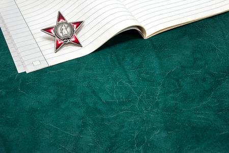 estrellas  de militares: Escribir un ensayo sobre la guerra en la escuela
