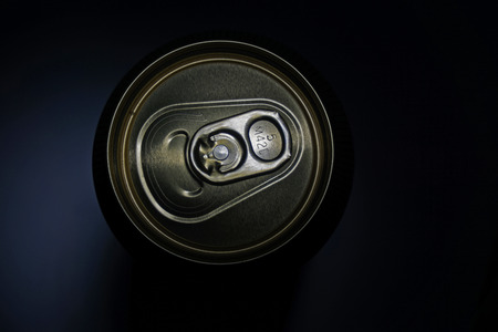 can of beer on a dark background 版權商用圖片