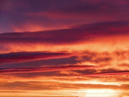 the bright purple sunset with beautiful clouds Banque d'images - 119164720