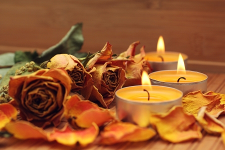 Spa candles with roses photo