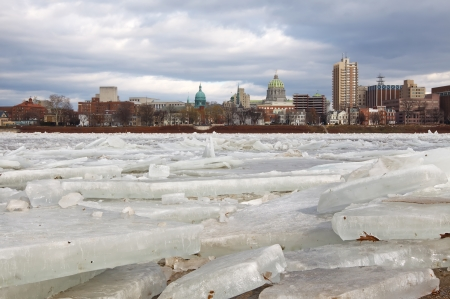 winter thaw: Ice breaking up on the Susquehanna River at Harrisburg, Pennsylvania, USA  Stock Photo