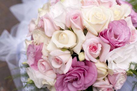 soft focus: Ramo de boda de rosas, desenfoque.