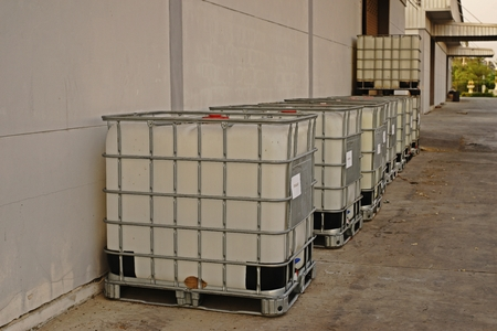 bulk container for liquid solvent and chemical storage, industrial chemical Standard-Bild