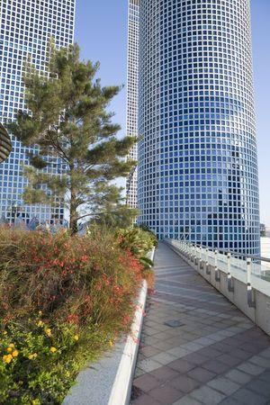 azrieli tower: Modern shopping center