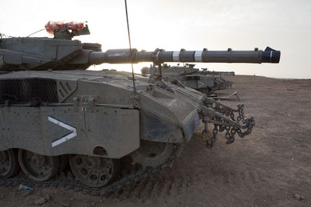 mk: Israeli?Palestinian conflicto. Operaci�n militar israel� plomo fundido. Franja de tanque israel� Merkava (Mercava) Mk 4 en frontera con Gaza Foto de archivo