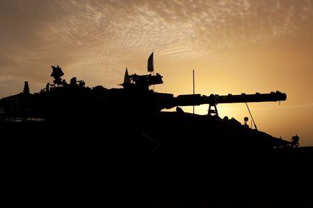 mk: Conflicto palestino israel� ?. Operaci�n militar israel� plomo fundido. Tiras de tanque Israel� Merkava (Mercava) Mk 4 en frontera con Gaza