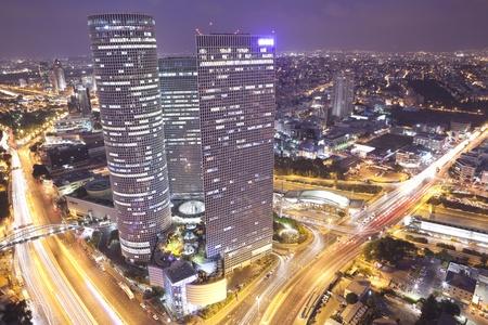 夜の街、アズリエリ センター イスラエル 写真素材