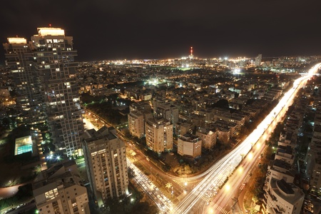 夜、イスラエルのテルアビブ 写真素材
