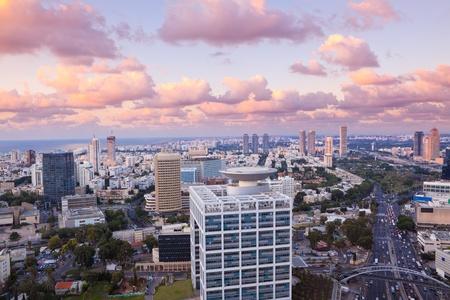 Nacht Stadt, Tel Aviv bei Sonnenuntergang, Israel Editorial