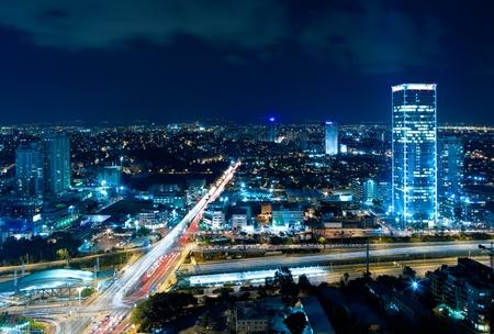 夜の街、夜、イスラエルのテルアビブ