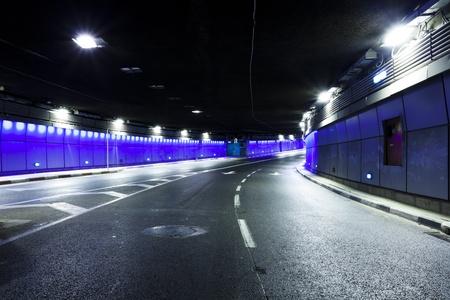 トラフィックがなければ都市トンネルのインテリア