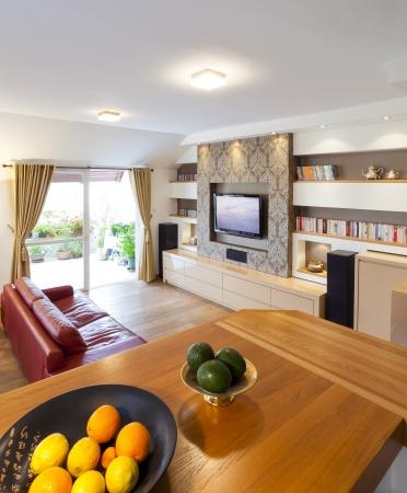decorando: Moderna sala con televisi�n de plasma