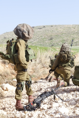 israel war: Israel Defense Forces - Paratroopers brigade during training