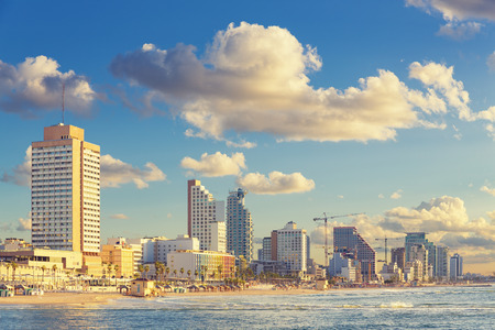 Tel Aviv panoráma města při západu slunce - pohled z moře strany Reklamní fotografie