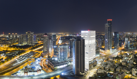 Aerial View - Skyline Panorama Of Tel Aviv And Ramat Gan at Night Standard-Bild