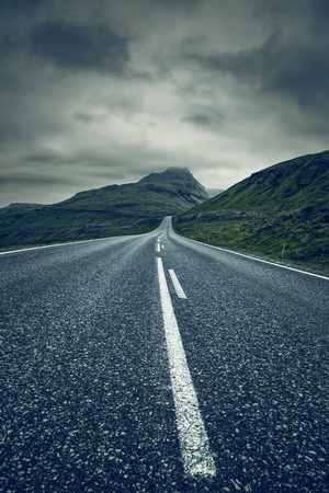A long empty straight Road, Faroe Islands Standard-Bild