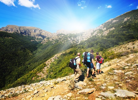 malowniczych krajobraz z przygody grupy w pieszych Zdjęcie Seryjne