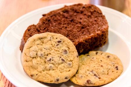Chrisp cookies with chocolate crumbs and chocolate cake