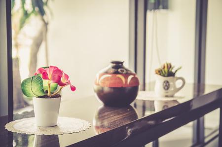 flowerpots: Flowers in flowerpots