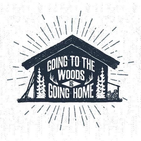 """Hand getrokken label met geweven houten hut vector illustratie en """"Going naar het bos gaat naar huis"""" belettering."""