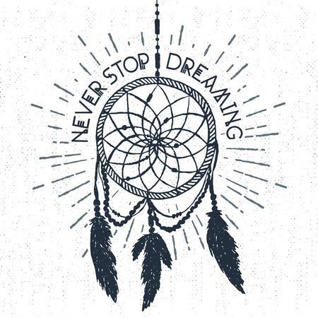 """Hand getrokken tribal label met geweven droomvanger vector illustratie en """"Never stop dreaming"""" inspirerende belettering."""